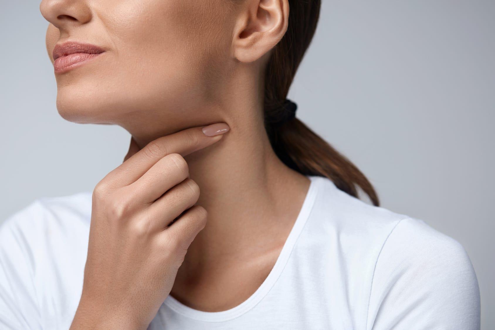Przewlekły ból gardła - przyczyny, objawy, leczenie